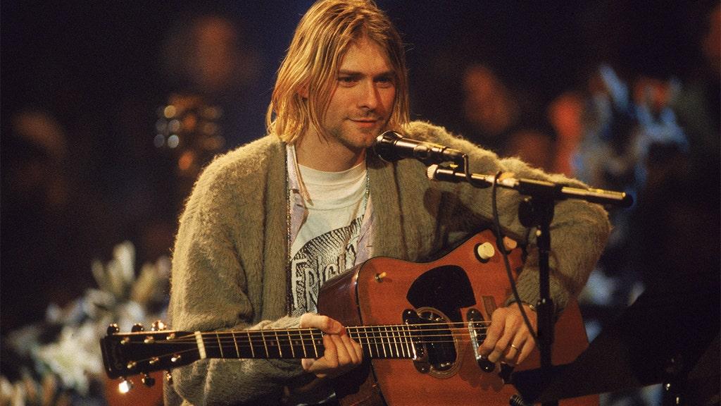 Kurt Cobain legendären grünen Pullover sellsfor $334G bei einer Auktion