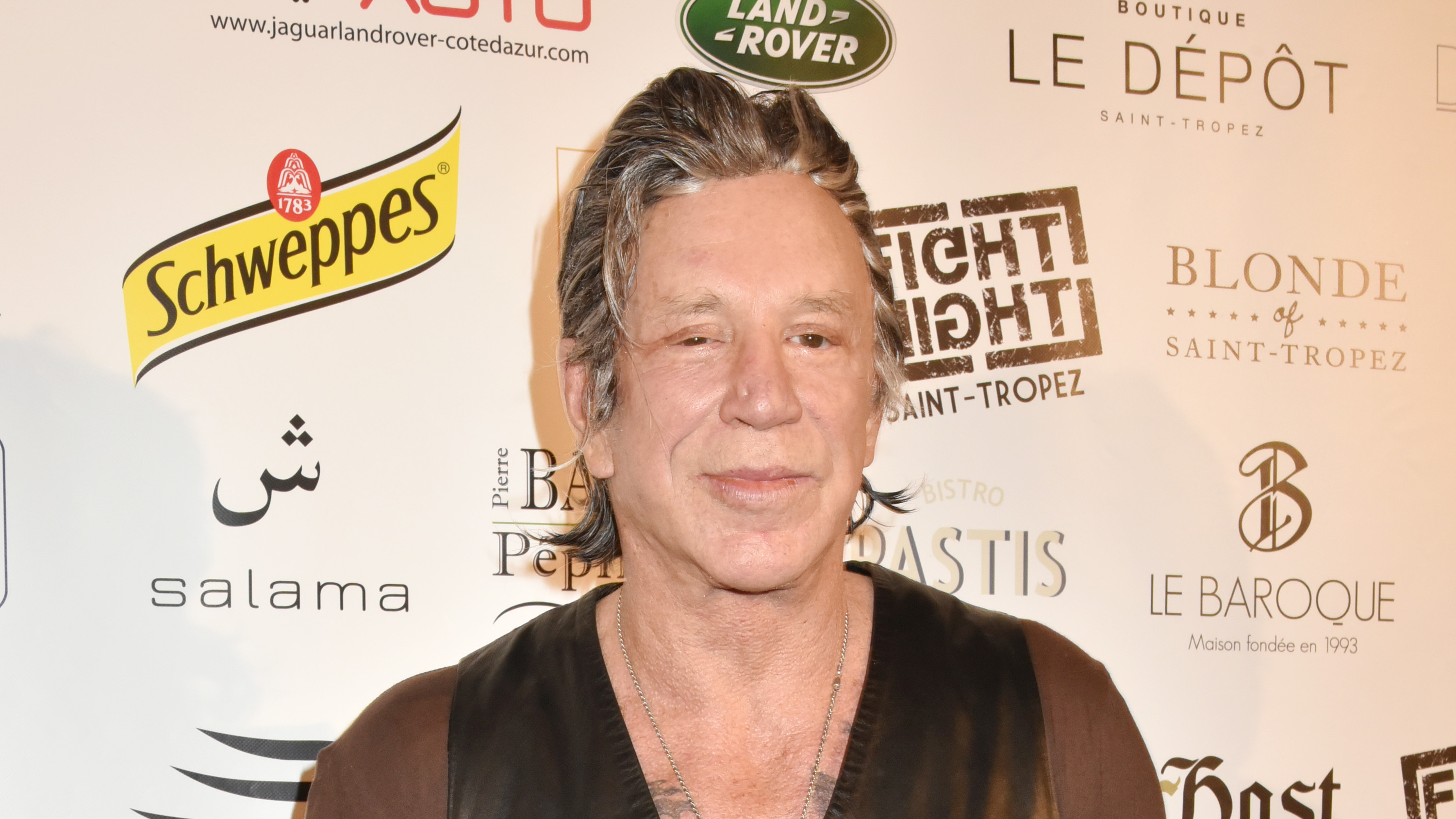 Mickey Rourke says he'll give Trump a 'left hook from hell' - Fox News