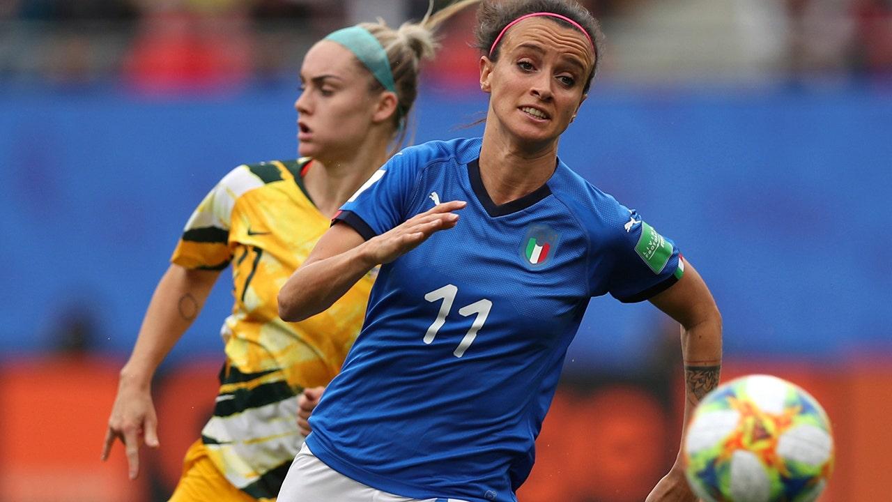 Italia laki-laki pemain sepak bola bertujuan untuk mengubah undang-undang yang membatasi membayar