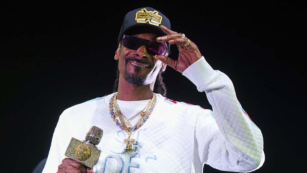 Westlake Legal Group Snoop-Dogg-AP Snoop Dogg addresses controversial performance at Kansas Jayhawks men's basketball event Ryan Gaydos fox-news/sports/ncaa-bk fox-news/sports/ncaa fox news fnc/sports fnc article 7136eaf3-58d6-5965-862c-7046d4537cc8