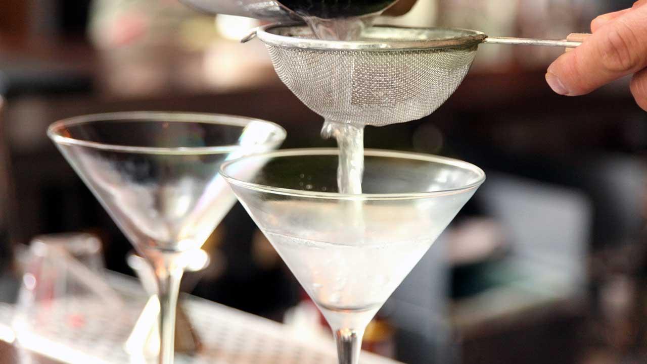 National Wodka-Tag: Wie der Geist stieg auf Popularität, und warum James Bond mag es lieber in seine martinis