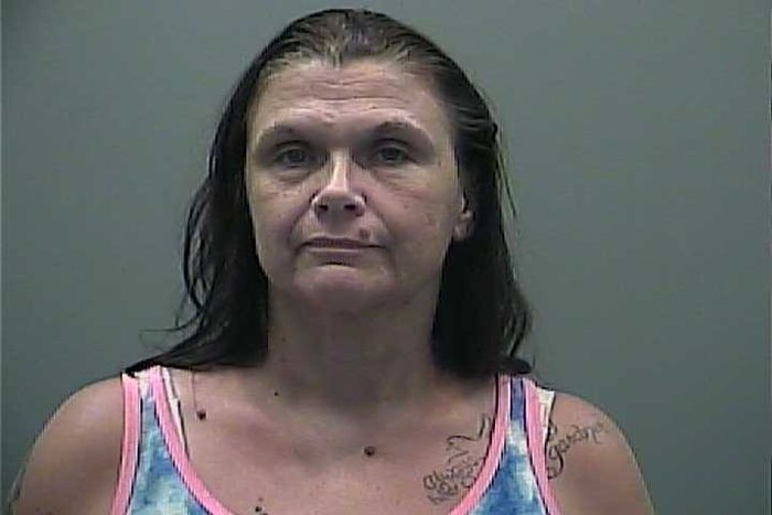 アラバマ州の女性た疑いう眼前に逮捕つくりたい