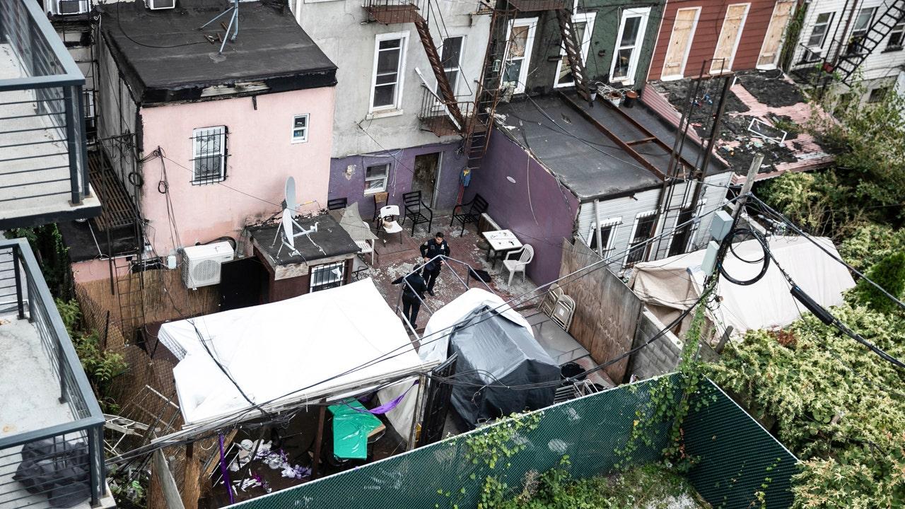 Penembakan di 'perjudian ilegal' club di Brooklyn daun 4 tewas, 3 terluka, kata polisi