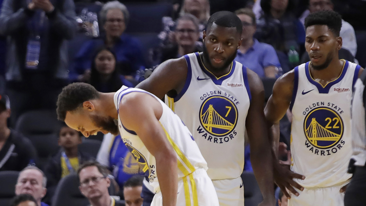 Warriors' Steph Curry suffers broken hand as troubled season sees another key player off roster