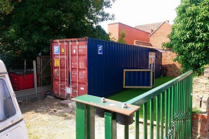 Shipping container soll als Airbnb-Vermietung als 'erschreckend' durch den Rat der Stadt: