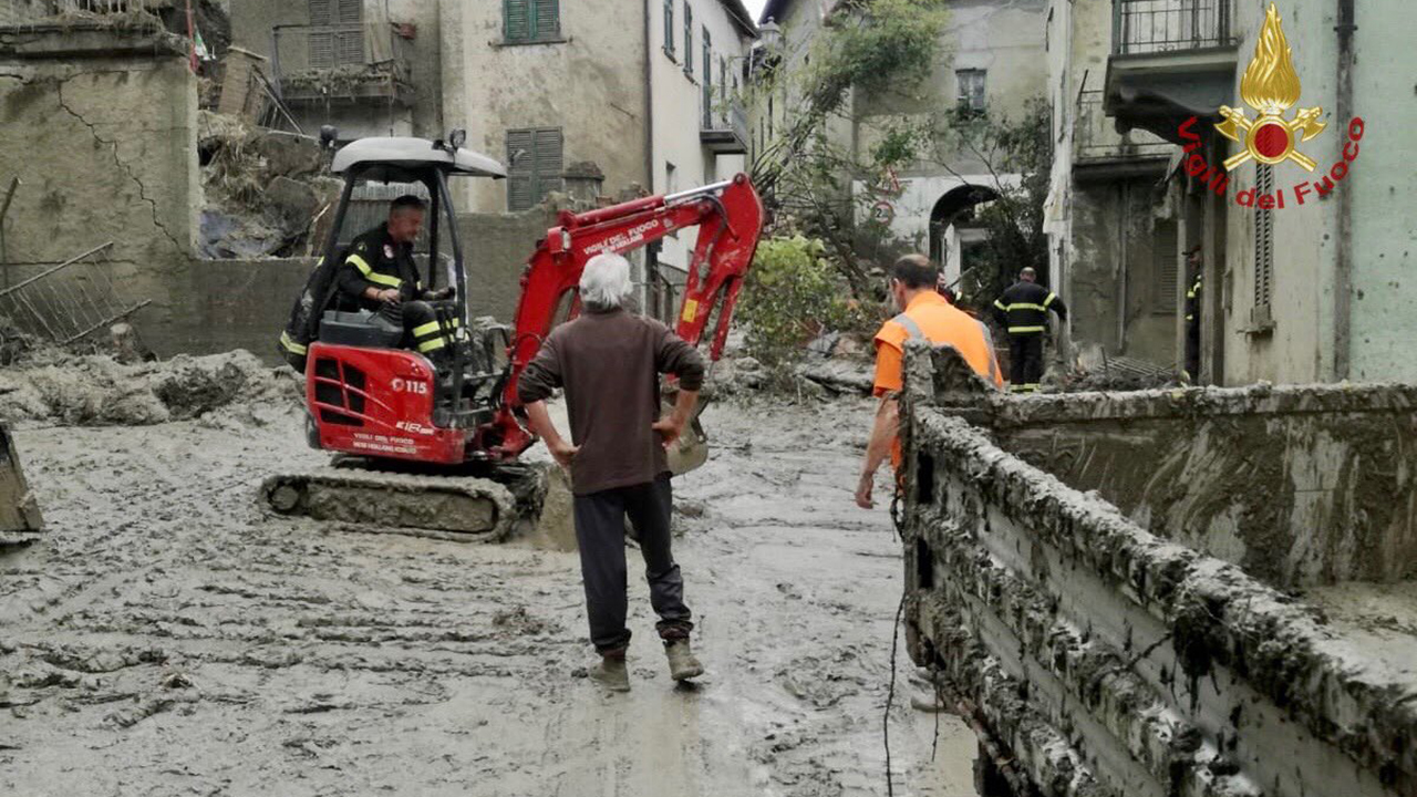 Italian couple escape home during landslide thanks to their cats: 'We saw cracks opening in the walls'