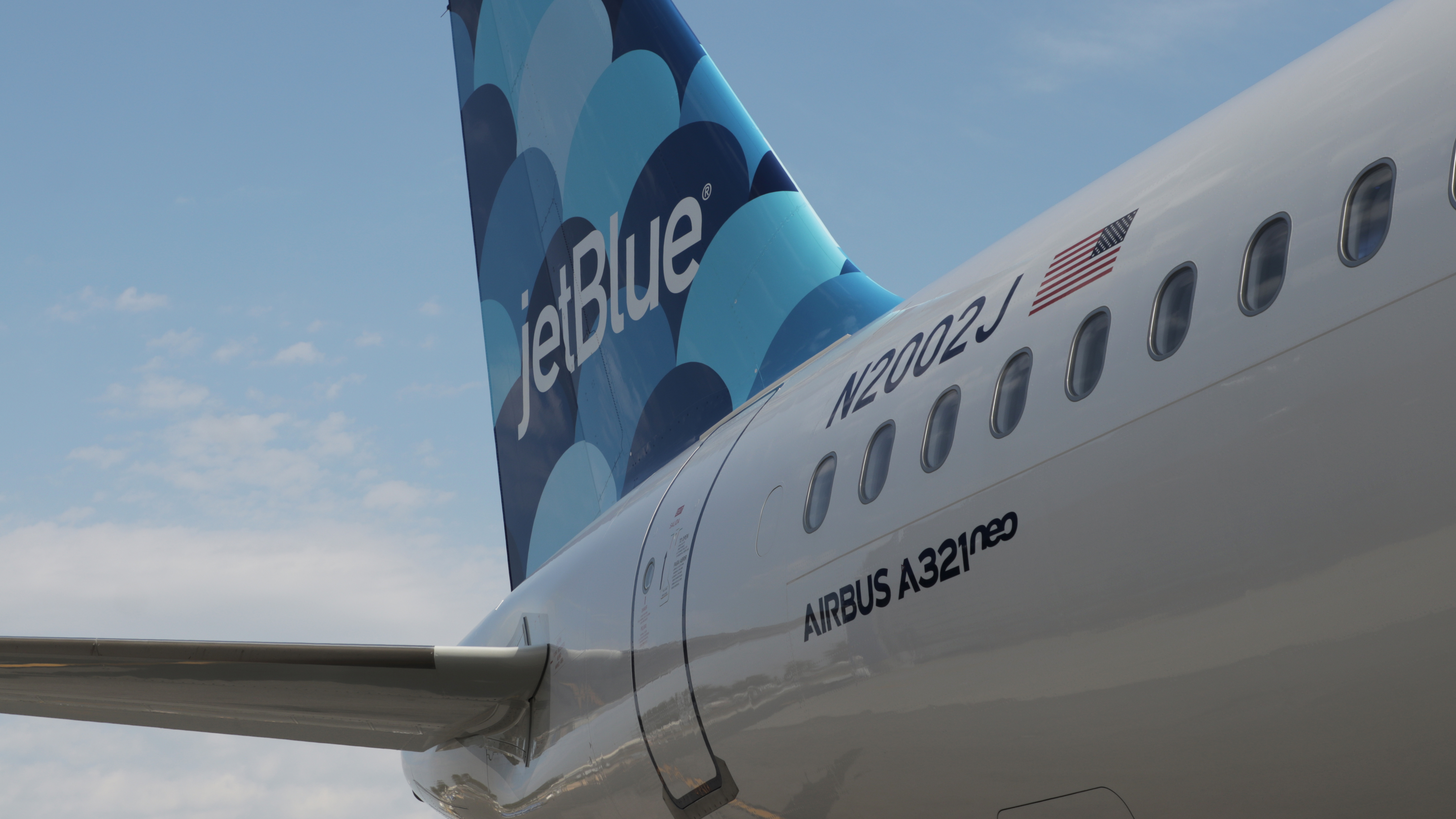 Ex-JetBlue employee faces 20 years in prison for scamming airline of nearly $1M