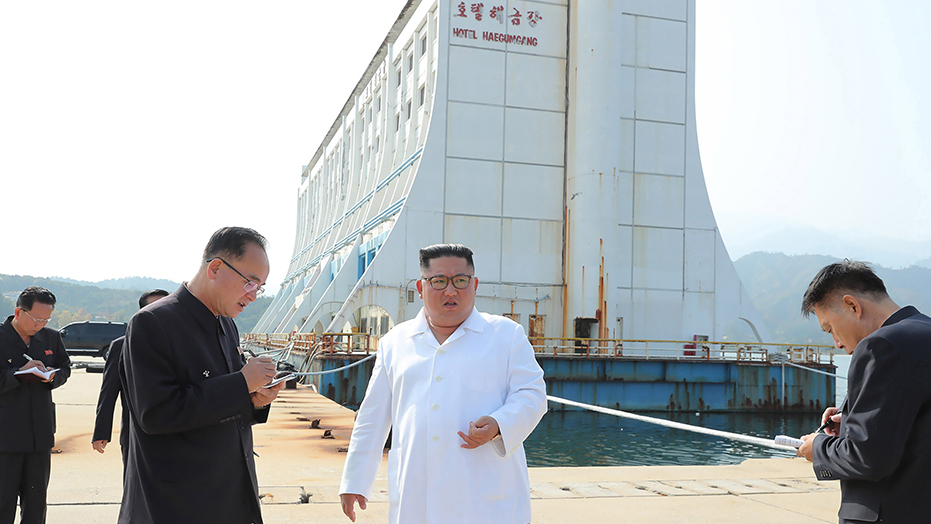 Kim Jong Un orders demolition of 'shabby' South Korean-made buildings at North's tourist site