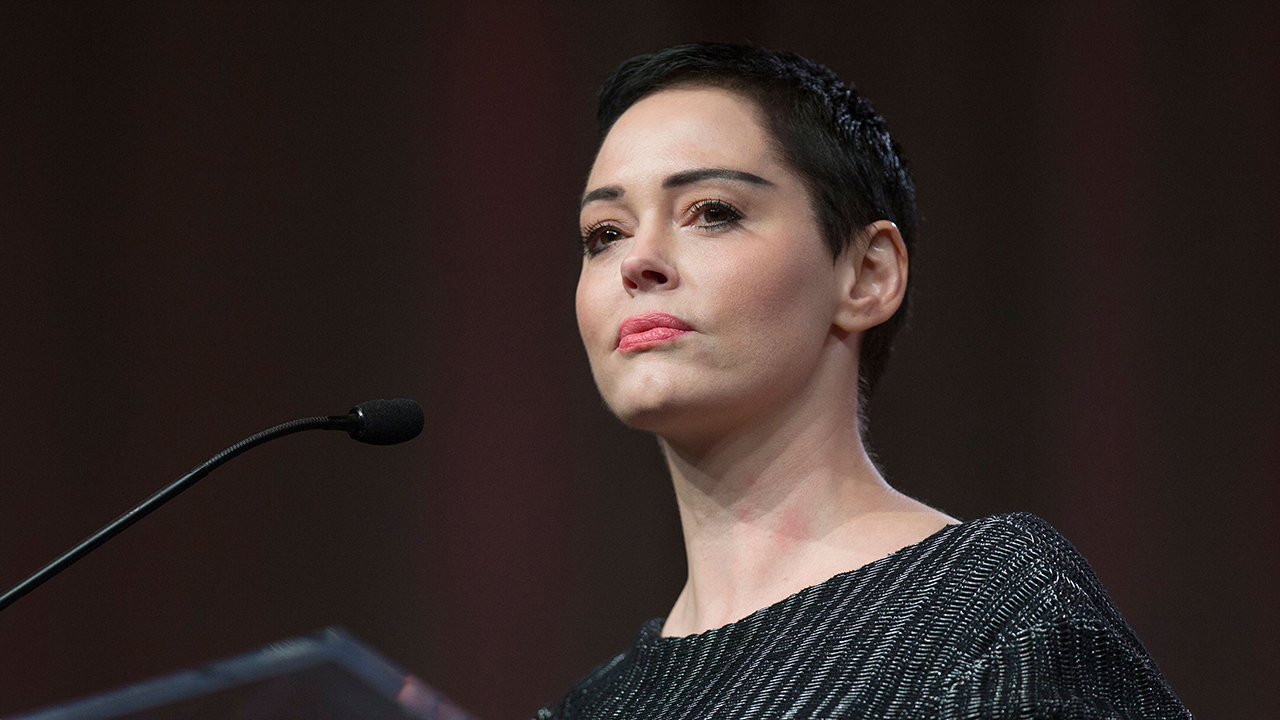 Rose McGowan rips Hillary Clinton over ties to 'predators' Bill Clinton, Harvey Weinstein