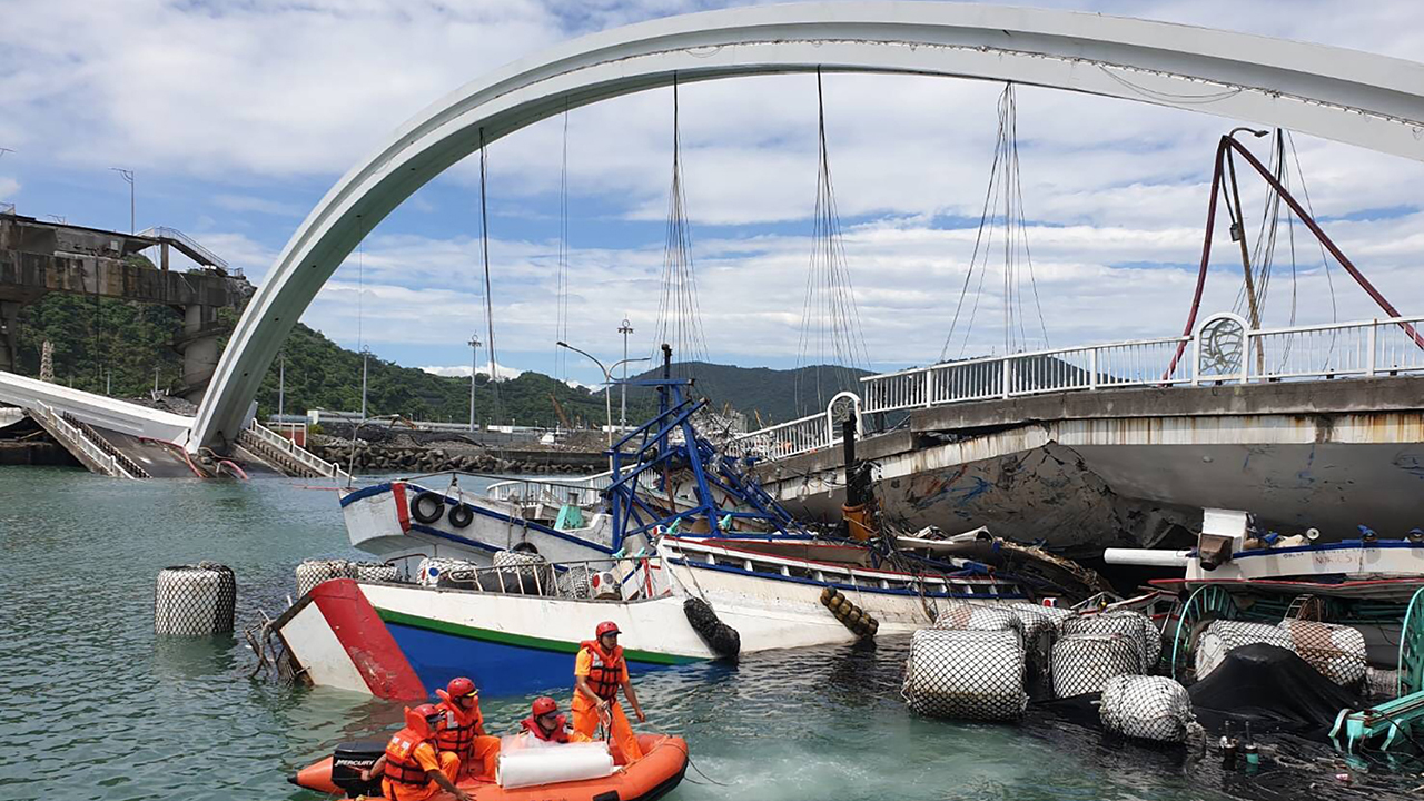 Taiwan arch bridge collapse leaves at least 4 dead; 2 remain missing