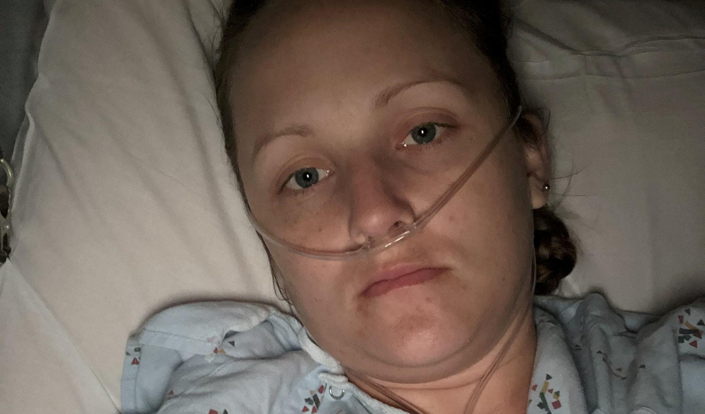 Tampon-linked toxic shock syndrome nearly kills North Carolina mom of 5: 'I was extremely ill' - Fox News thumbnail