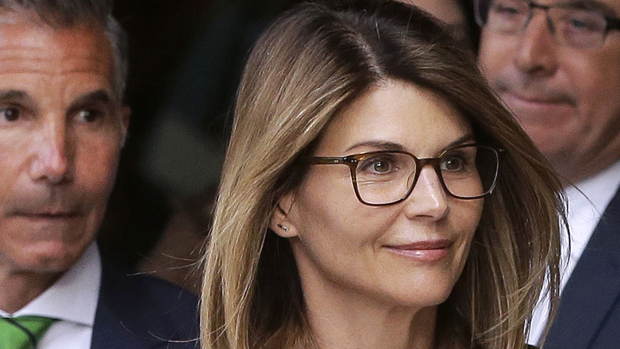 Lori Loughlin's sentence is a 'great outcome' for her legal expert says: 'She should thank her lucky stars' – Fox News