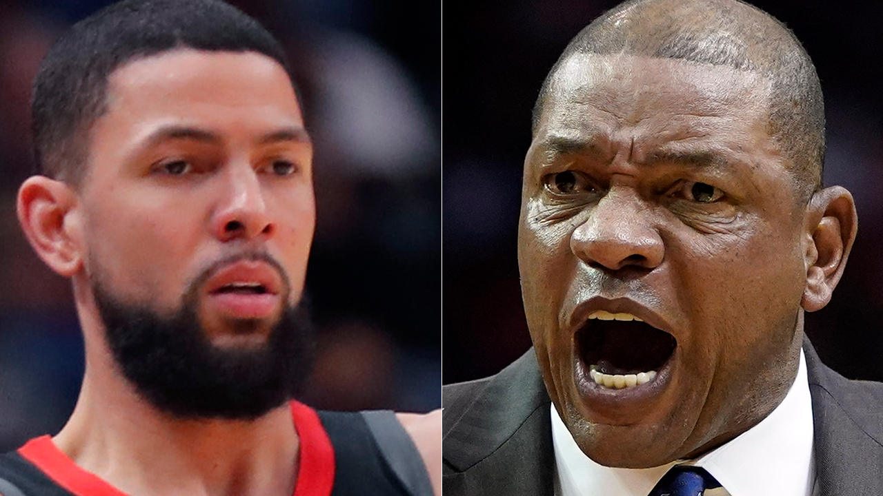 Rockets' Austin Rivers calls for dad, Clippers coach Doc Rivers, to get technical foul