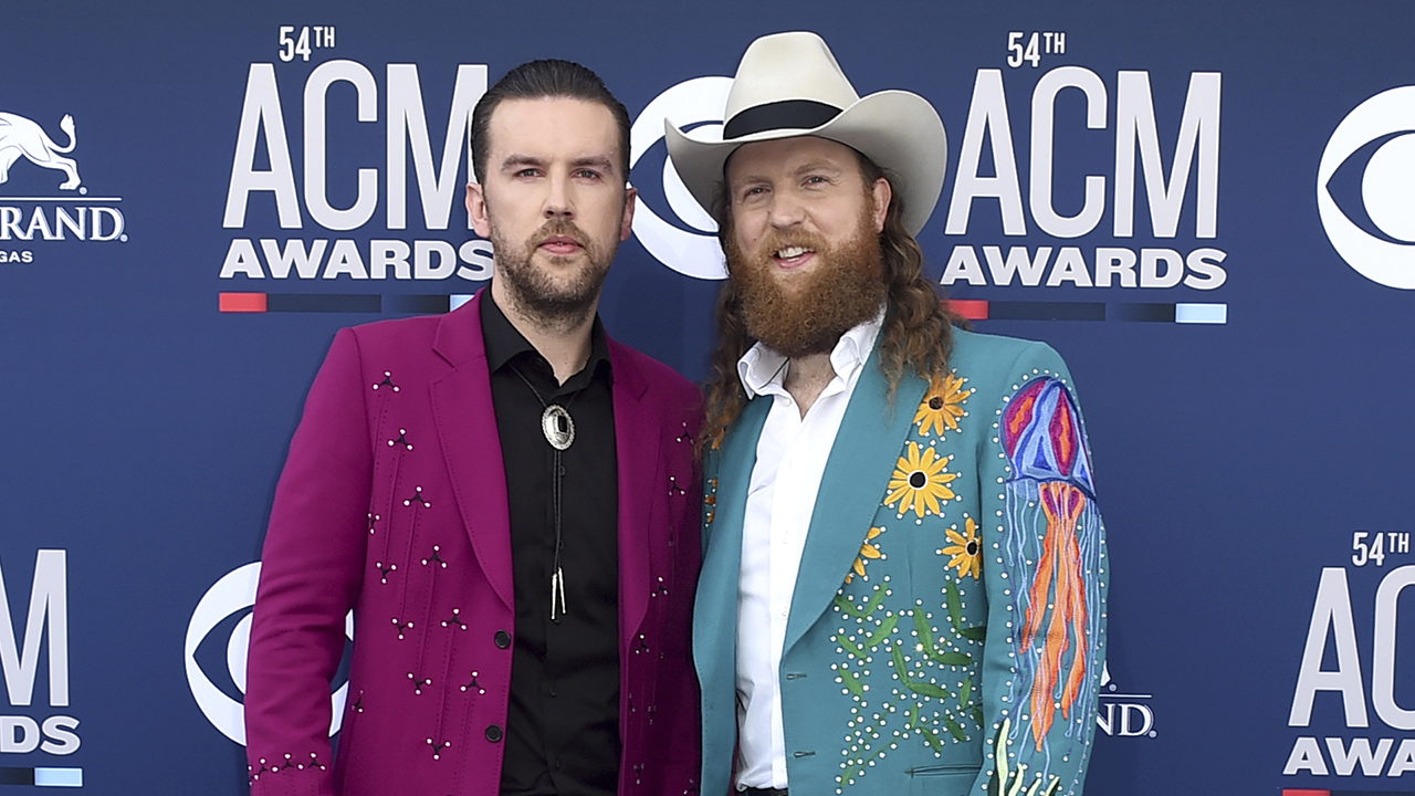 Westlake Legal Group BrothersOsborne1 Brothers Osborne Thanksgiving halftime show slammed after power goes out amid technical issues Tyler McCarthy fox-news/entertainment/music fox-news/entertainment/genres/viral fox-news/entertainment/genres/country fox-news/entertainment/celebrity-news fox-news/entertainment fox news fnc/entertainment fnc article 6c5d3224-8e36-5b20-804f-1e644b7c6d87