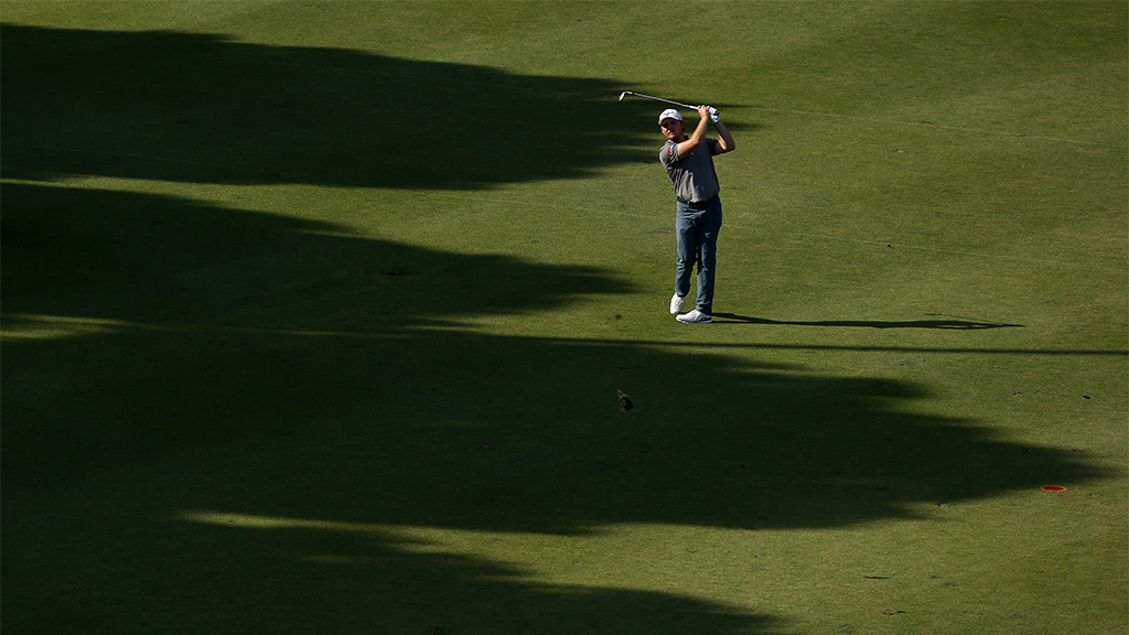 Golfer Eddie Pepperell disqualified from tournament after running out of balls