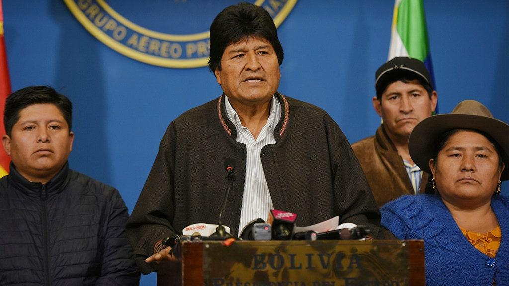 Tổng thống xã hội chủ nghĩa của Evo Morales của Bolivia từ chức trong bối cảnh cáo buộc gian lận bầu cử