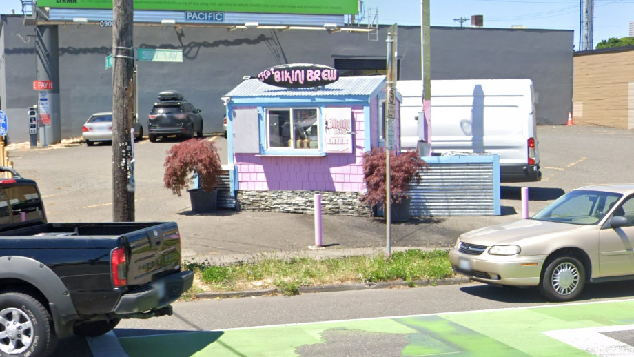 Bikini-barista coffee shop in Portland disappears after owners fight with cyclists