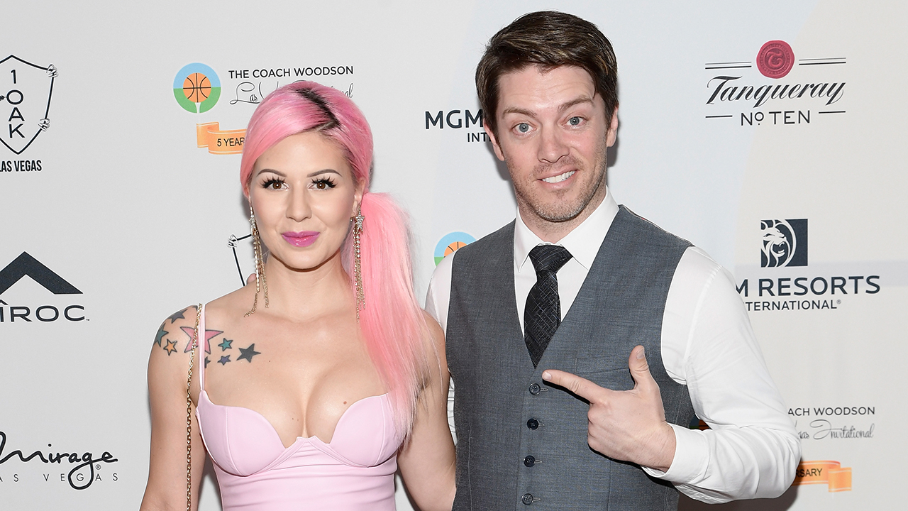 'Property Brothers' sibling JD. Scott marries Annalee Belle in 1950s-themed Halloween wedding