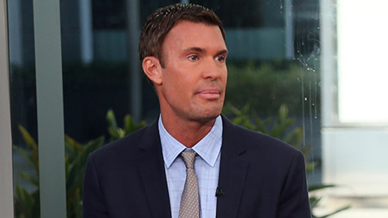 'Flipping Out' star Jeff Lewis says he laid off half of his staff, his design business is 'tanking'