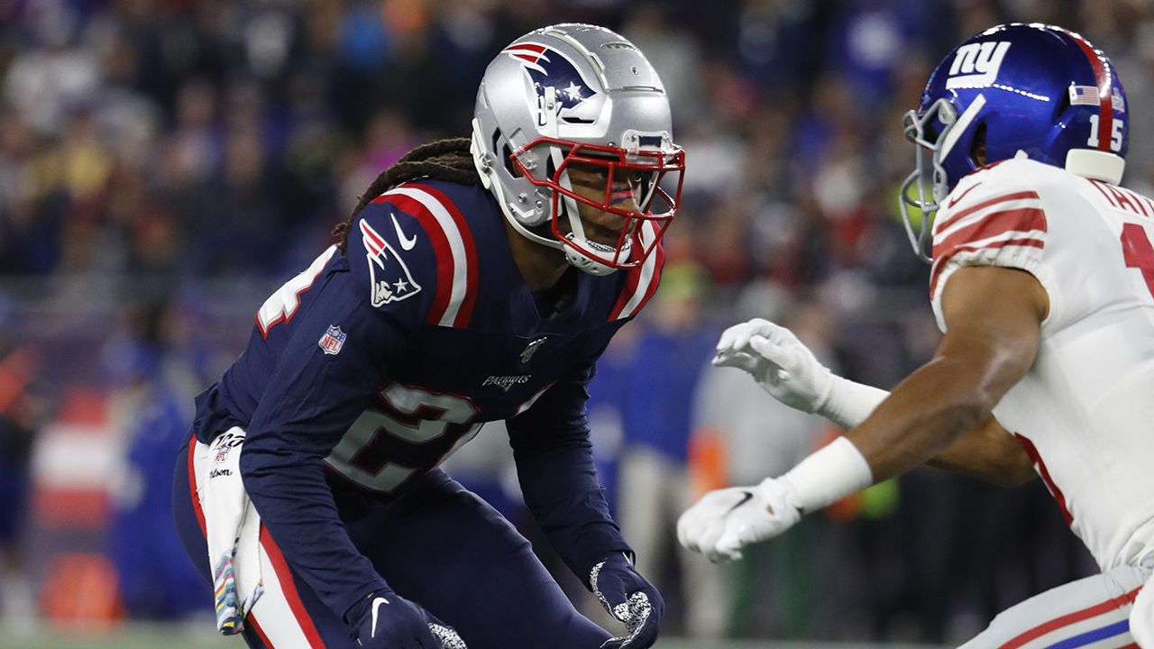 Patriots' Stephon Gilmore suffers non-contact knee injury vs. Dolphins – Fox News