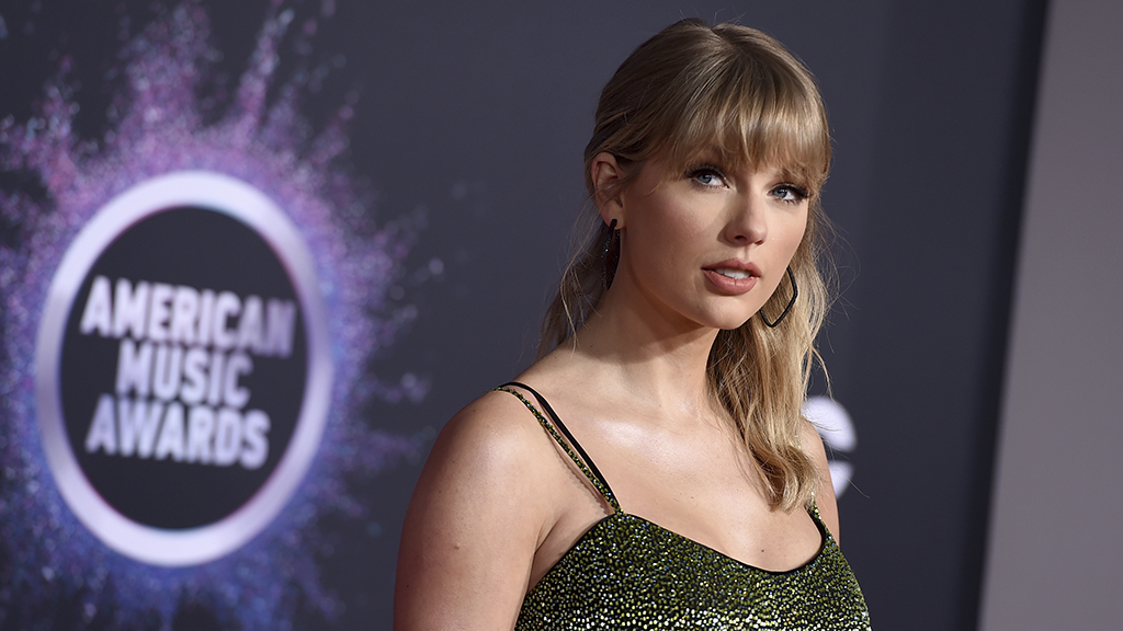 Westlake Legal Group TaylorSwift-cropped-1024x576-455am Taylor Swift on not wanting to get political following Dixie Chicks controversy: 'It terrified me' Nate Day fox-news/person/taylor-swift fox-news/entertainment/genres/pop fox-news/entertainment/genres/country fox-news/entertainment/events/scandal fox-news/entertainment/celebrity-news fox-news/entertainment fox news fnc/entertainment fnc article 15f886d7-db93-5d09-b694-99fa672923ae