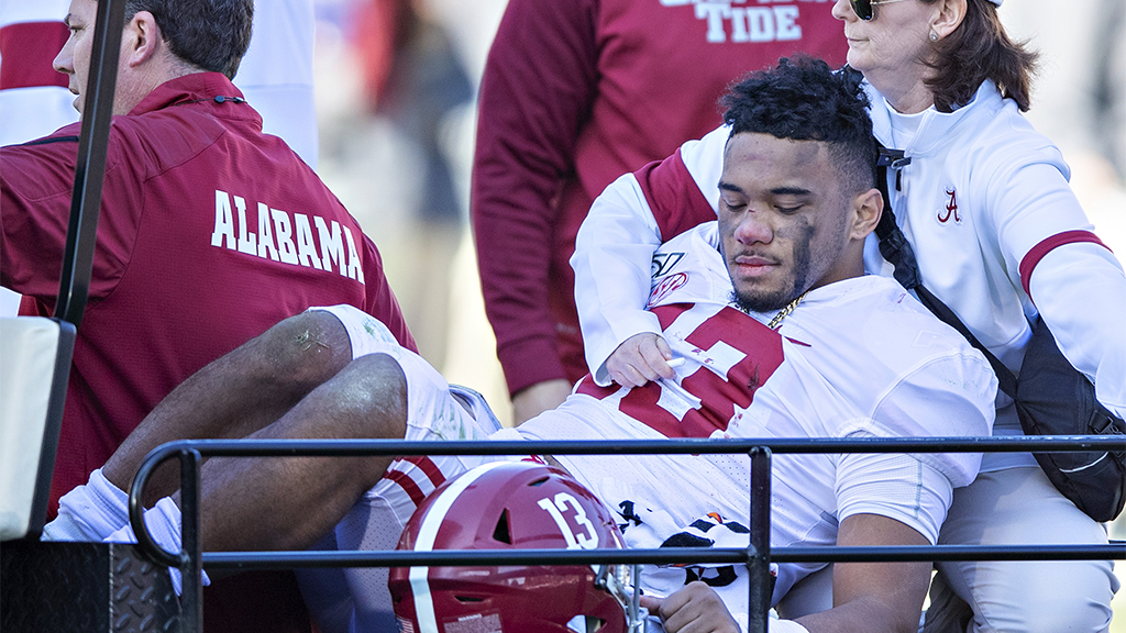 Alabama QB Tua Tagovailoa suffers dislocated right hip, out for season