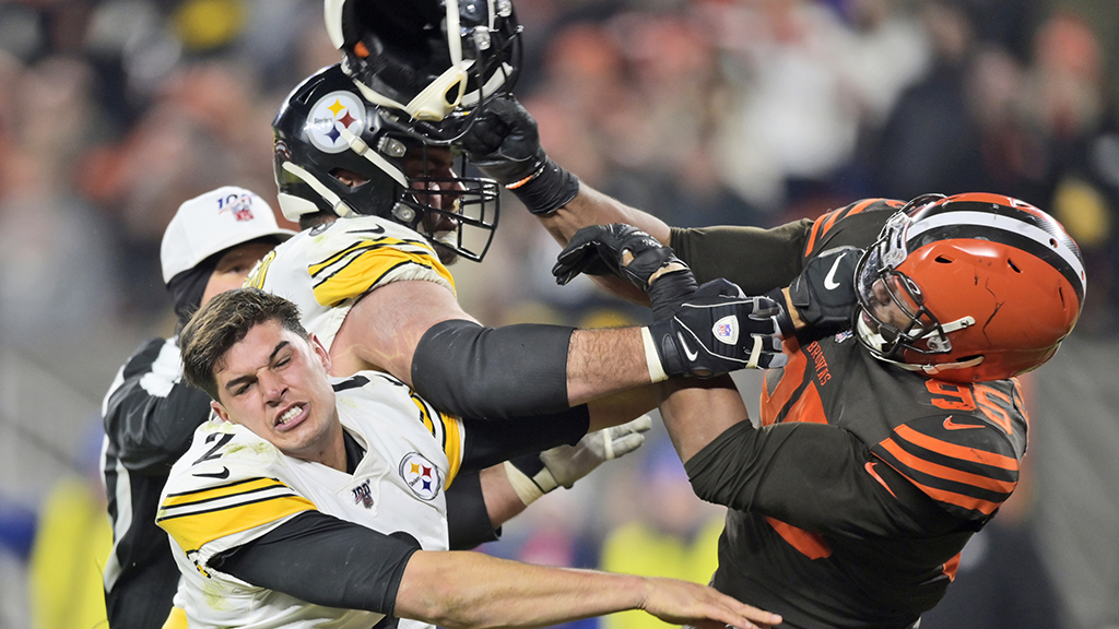 Steelers' Mike Tomlin defends Mason Rudolph after Myles Garrett doubles down on racial slur claim