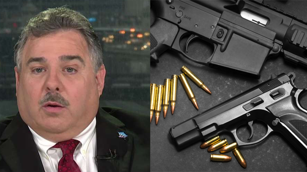 Chicago police praised for seizing more than 10,000 illegal guns despite lack of manpower