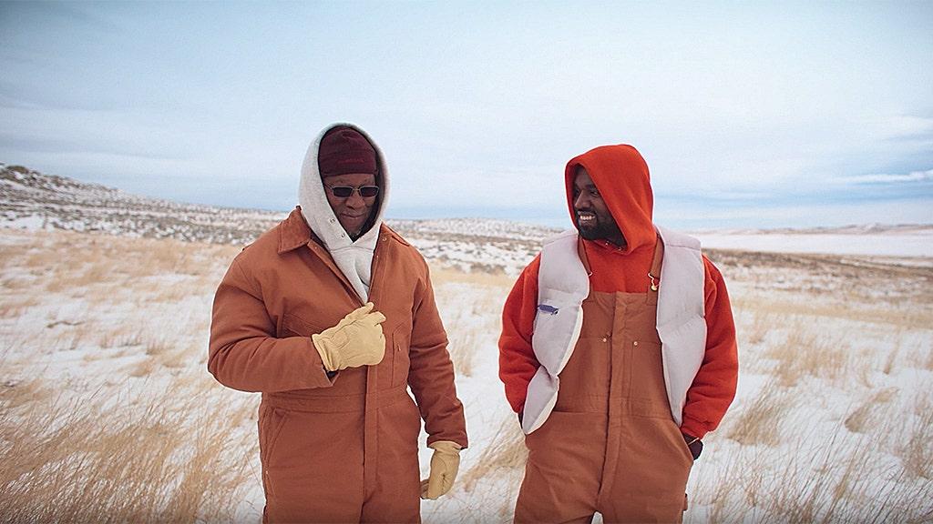 Video âm nhạc 'Follow God' của Kanye West có cha anh ở trang trại ở bang Utah của anh