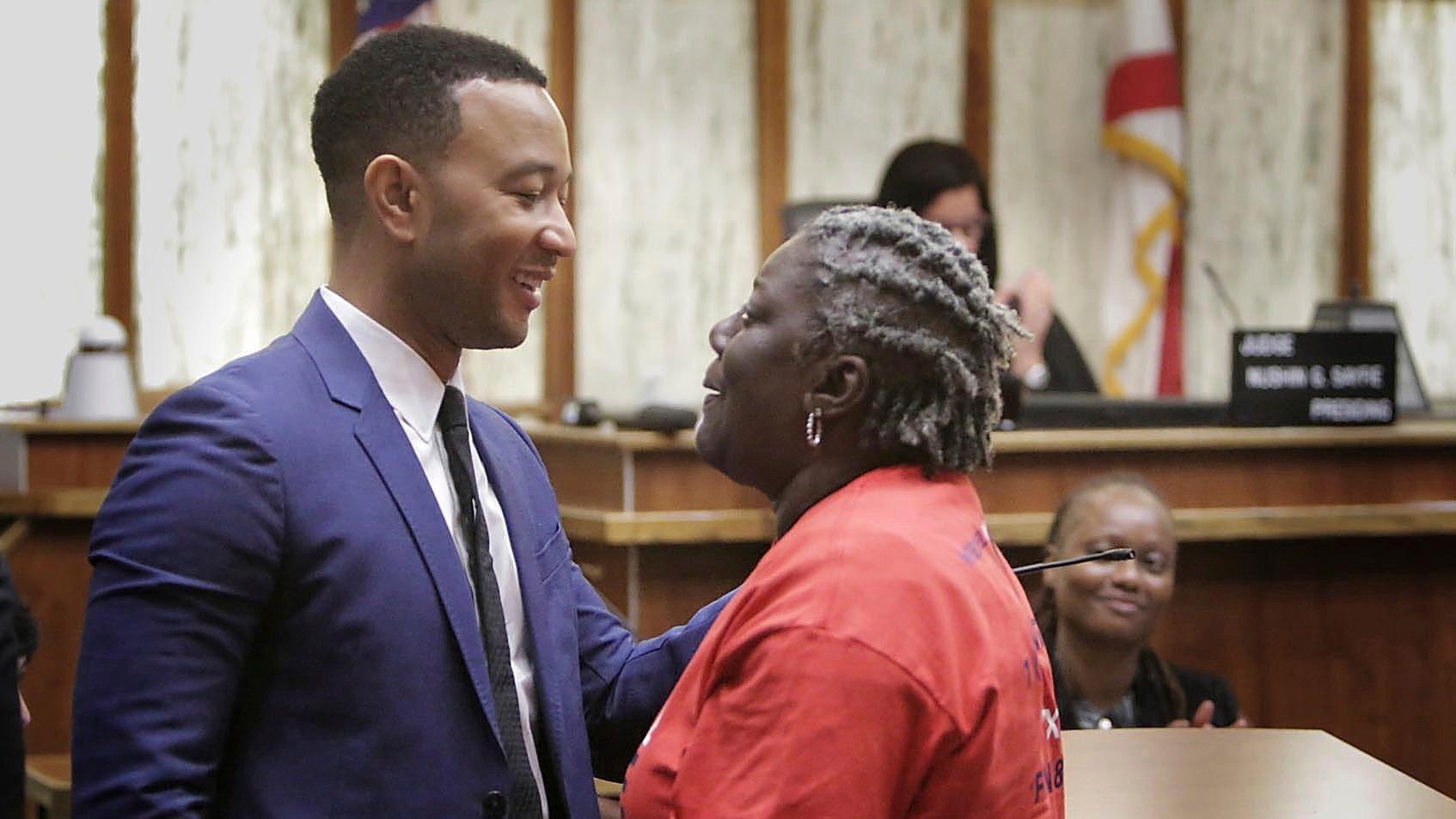 John Legendの支援ex-felonsフロリダって投票権
