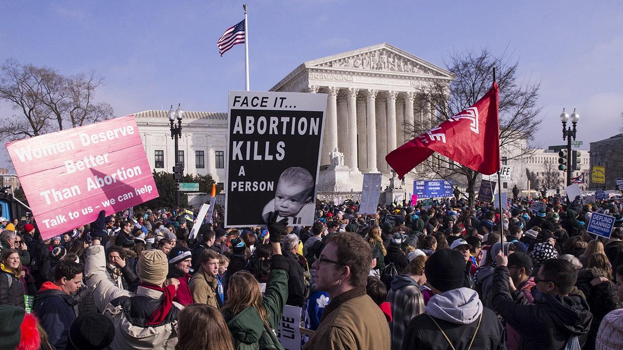 Haus-Ausschuß Debatten Gesetz, das würde überstimmen staatlichen Beschränkungen auf Abtreibung