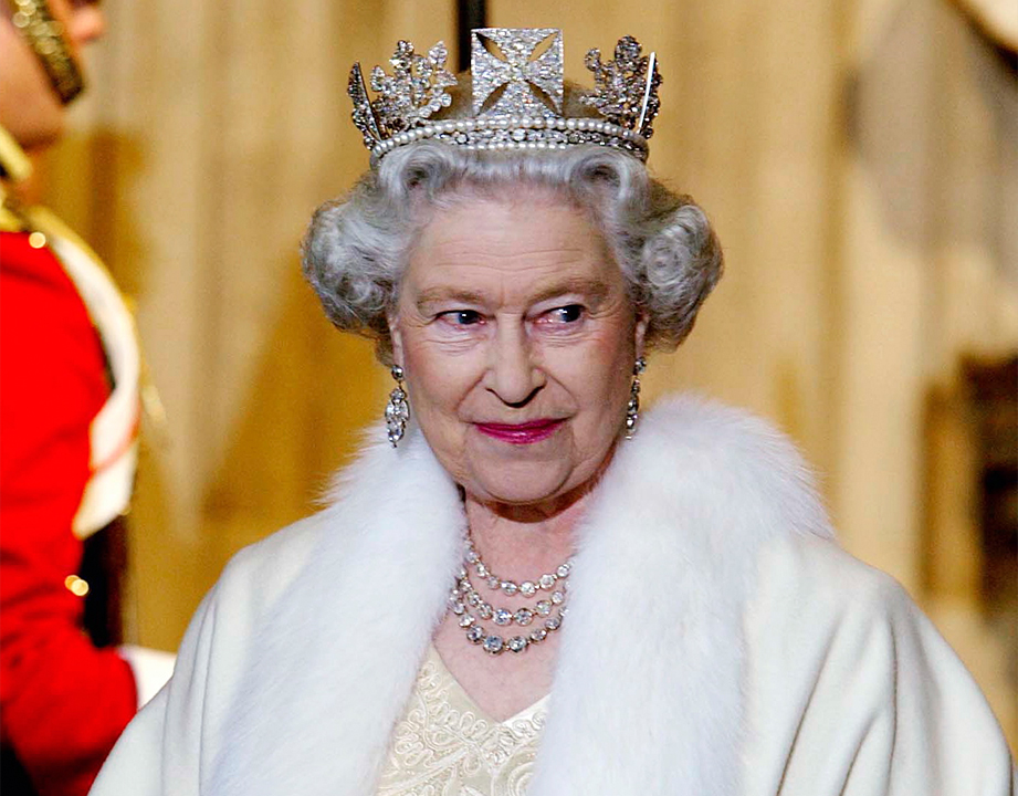Queen Elizabeth is going fur-free with new outfits, Buckingham Palace says