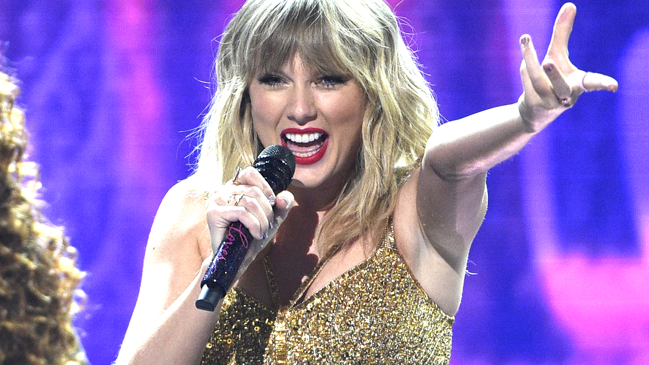 Westlake Legal Group swift-amas Taylor Swift says she would have paid 'so much' to own her masters Nate Day fox-news/person/taylor-swift fox-news/entertainment/music fox-news/entertainment/genres/pop fox-news/entertainment/genres/country fox-news/entertainment fox news fnc/entertainment fnc bc7e8d99-b01a-534e-82b0-acc811d659d3 article