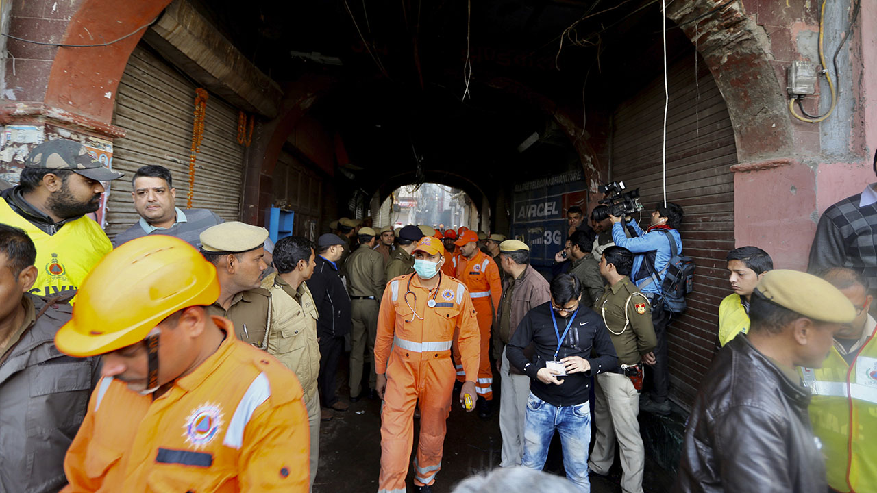 Market fire in New Delhi, India, kills at least 43, sparks chaos outside hospital