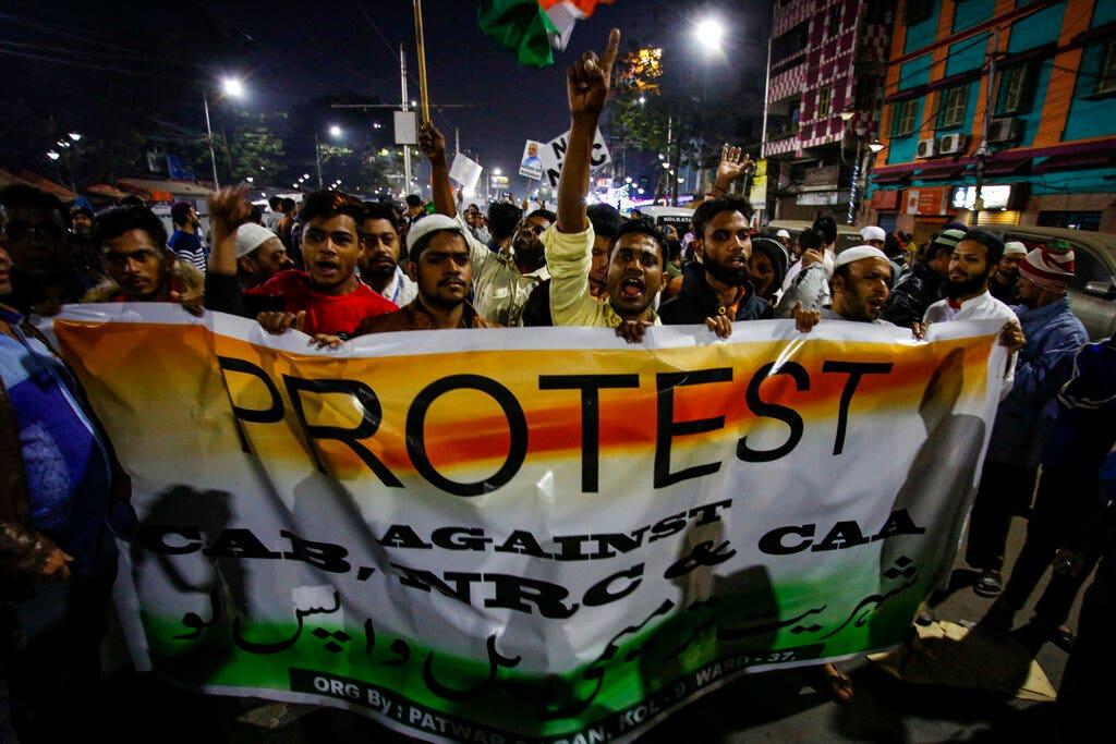 死者のインド国籍法の抗議行動を登17