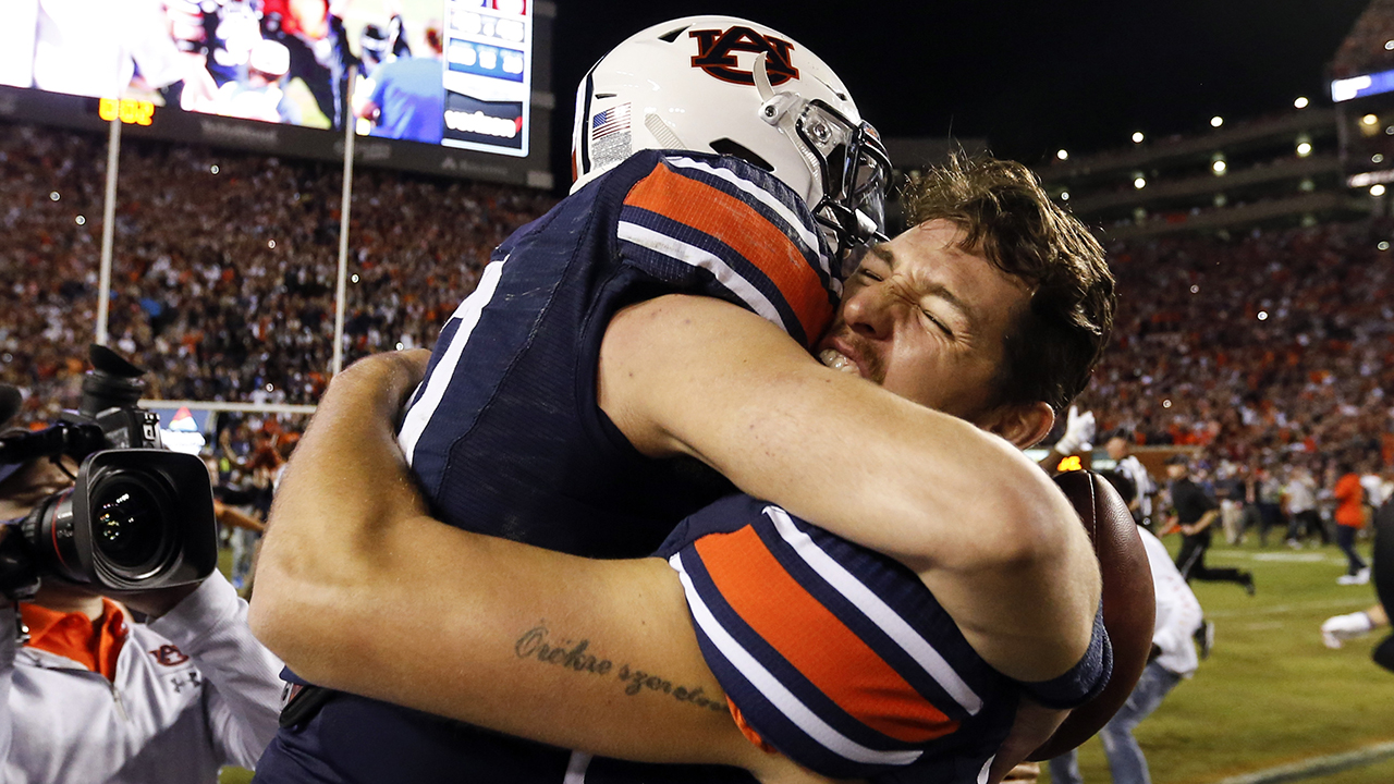 Auburn dean tweets students to get 1 second extra on exams after football team's Iron Bowl win