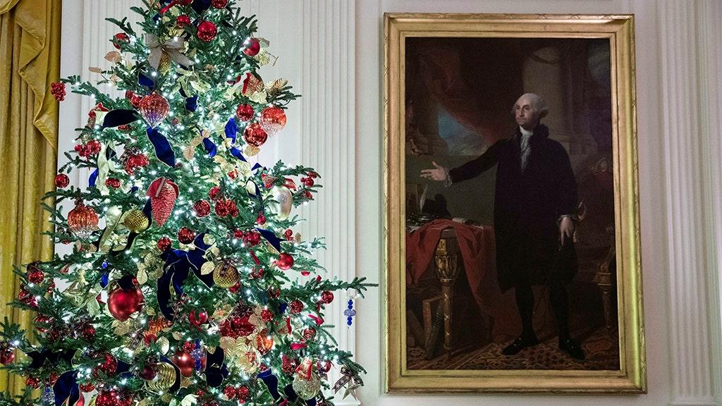 White House makes patriotism theme of Christmas