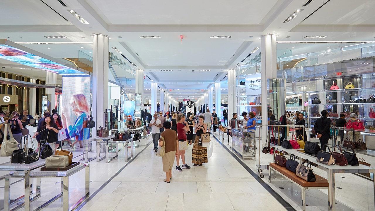Beliebte retail-DJ zieht 'It' s Beginning to Look a Lot Like Christmas