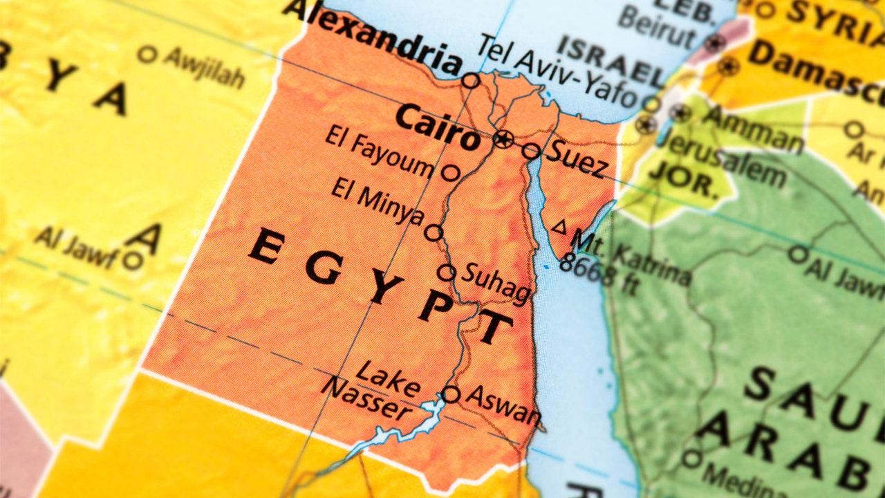 エジプトマイクロバスクラッシュを殺22日、当局は、
