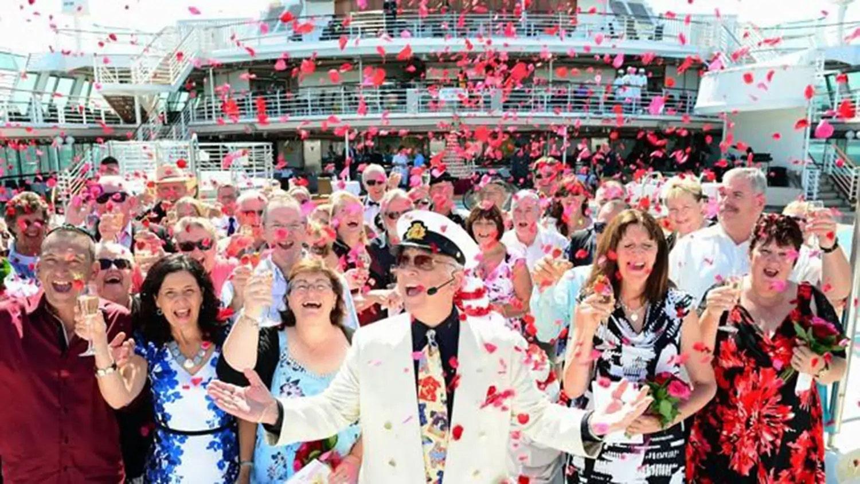 Princess Cruises θέλει να σπάσει το ρεκόρ για το μεγαλύτερο όρκο ανανέωση τελετή, επιστρατεύει celebs για να τελέσει το μυστήριο