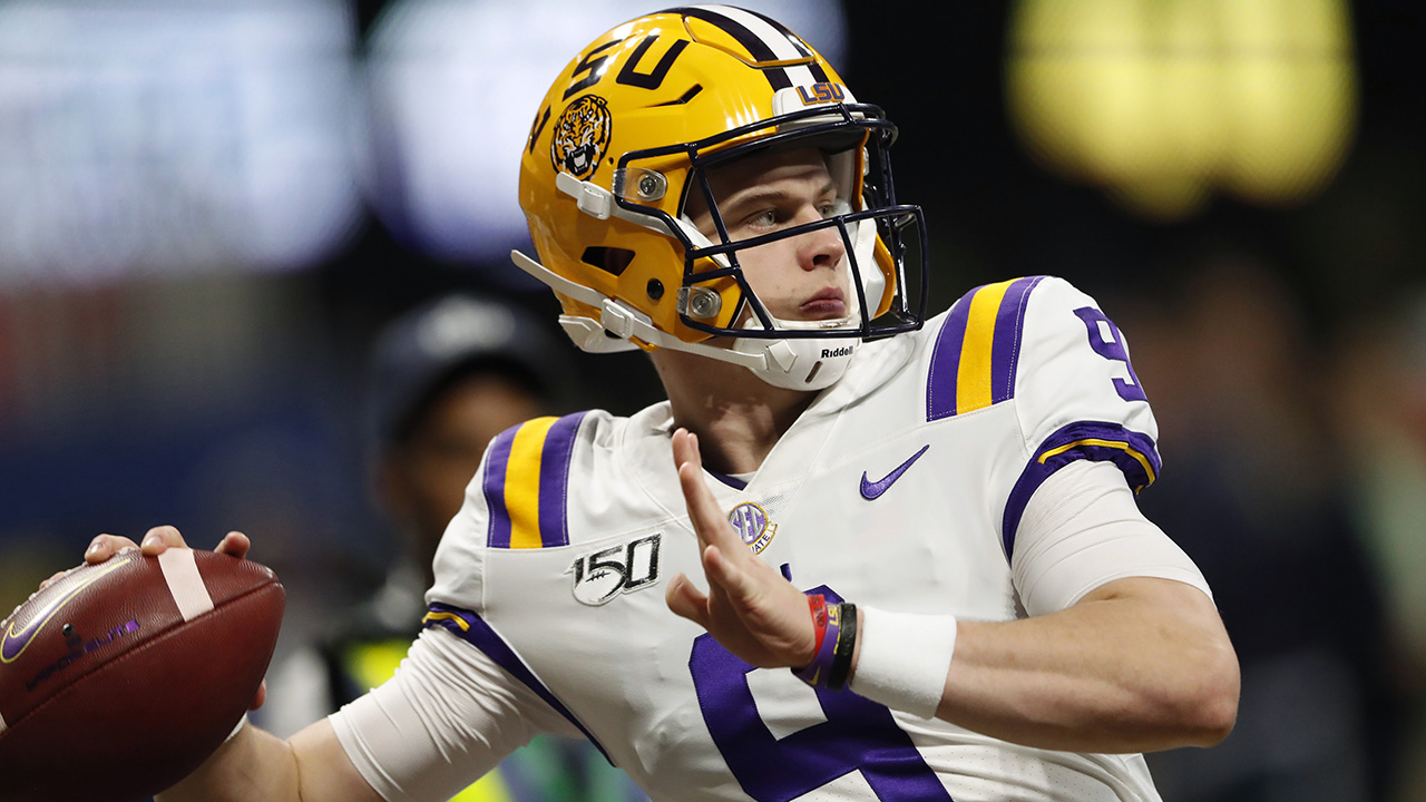 Westlake Legal Group Joe-Burrow6 LSU defeats Oklahoma 63-28 to advance to national championship game Nick Givas fox-news/sports/ncaa/oklahoma-sooners fox-news/sports/ncaa/ohio-state-buckeyes fox-news/sports/ncaa/lsu-tigers fox-news/sports/ncaa/college-football-bowl-season fox-news/sports/ncaa/clemson-tigers fox news fnc/sports fnc article 3f6aa22f-bac1-5470-bebf-28b39603dcd7