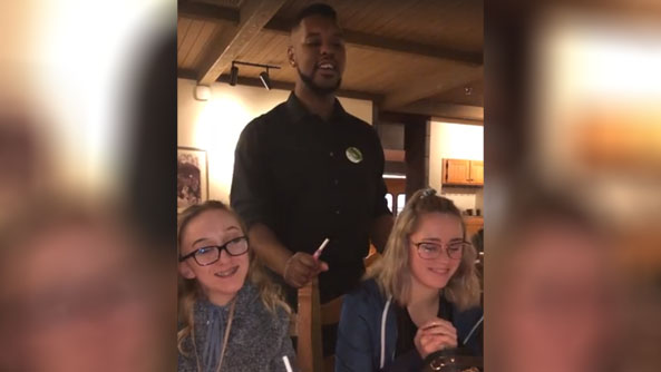 Westlake Legal Group Olive-Garden-waiter-sings Washington family stunned by Olive Garden waiter singing 'Happy Birthday' fox-news/food-drink/food/restaurants fox news fnc/food-drink fnc article Alexandra Deabler 36c3a811-d553-5ef4-90fc-9b141dfd84a8