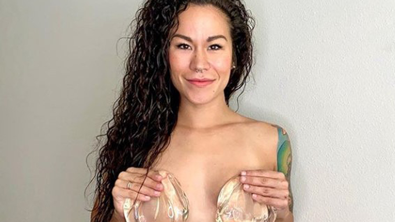 Westlake Legal Group Sia-Cooper-Implants-cropped Blogger celebrates breast implant removal with warning: 'Grass isn't always green with bigger boobs' Gerren Keith Gaynor fox-news/style-and-beauty fox-news/health/nutrition-and-fitness/fitness fox-news/health/beauty-and-skin/cosmetic-surgery fox news fnc/lifestyle fnc d2bc53f6-2900-5939-8902-b79664ea159b article