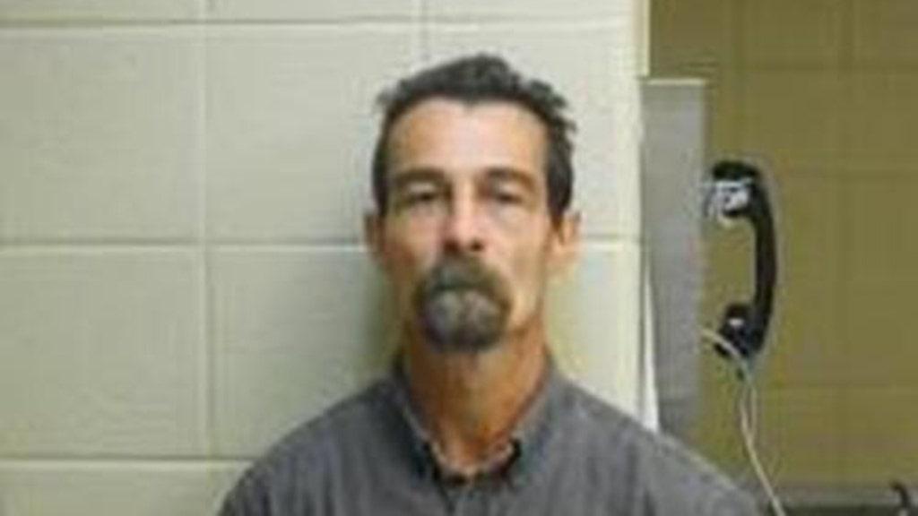 Αρκάνσας άνδρας, 47 ετών, που πραγματοποιήθηκε σε ψευδείς φυλάκιση, άλλες χρεώσεις μετά την γυναίκα που βρέθηκε δεμένος μέσα στο σπίτι