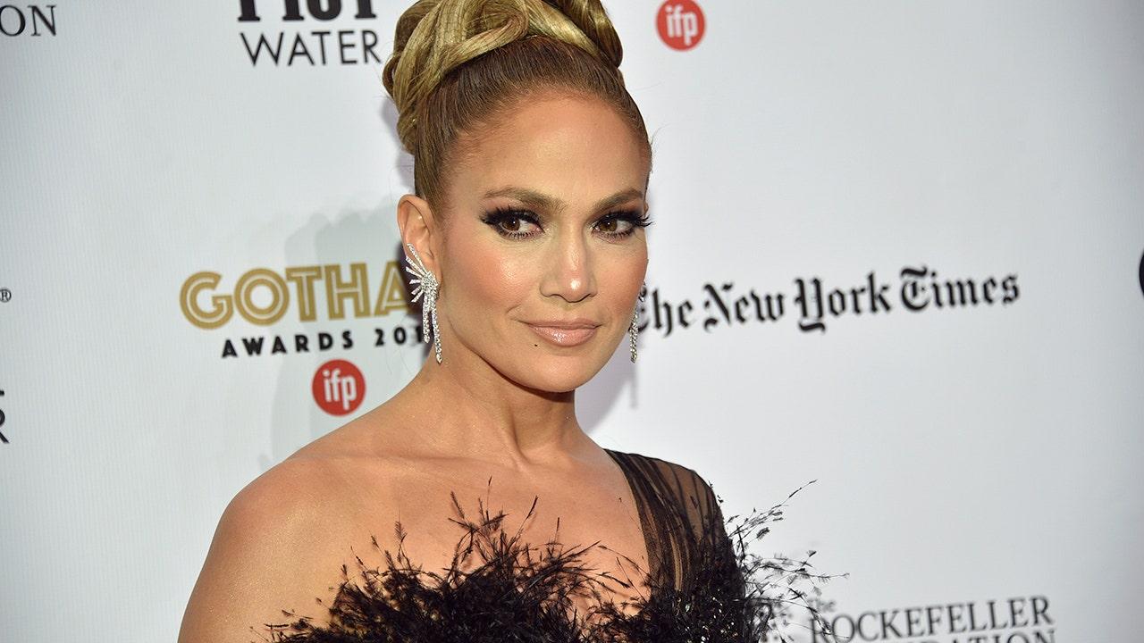 Jennifer Lopez betäubt in freizügige bikini-pic