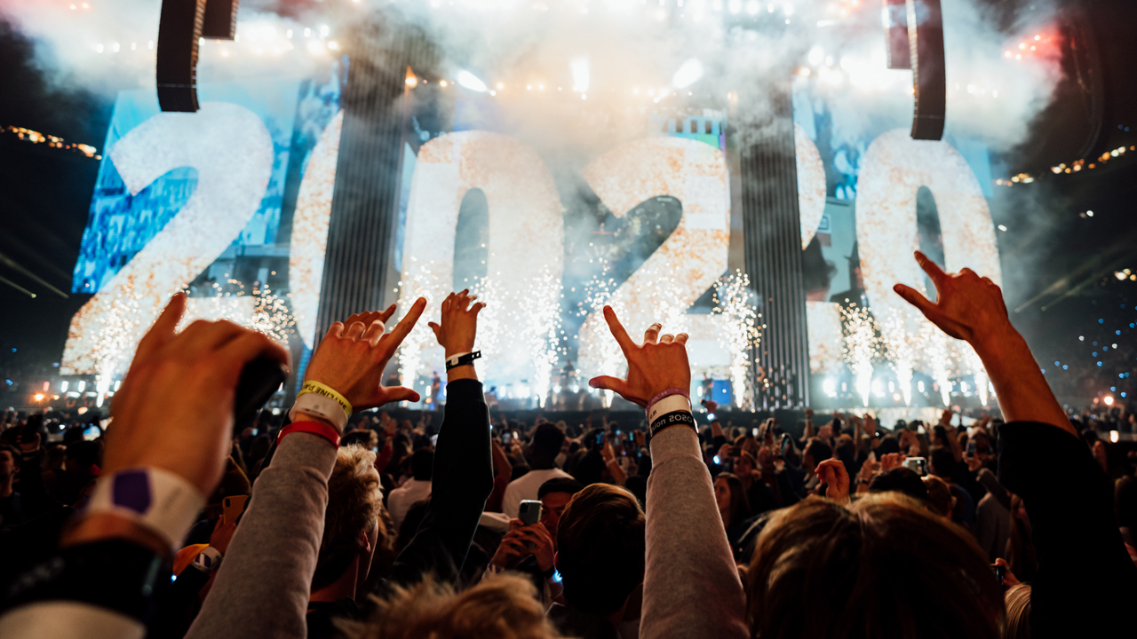 65,000 college students ring in New Year worshipping Jesus
