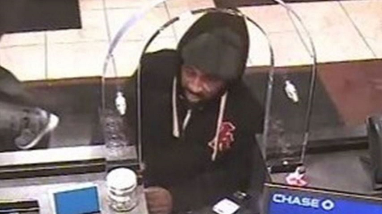 Alleged serial bank robber sprung by New York bail law turns himself in