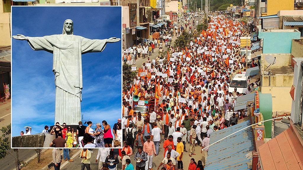 ヒンドゥー hardliners抗議の大量のイエス像として、インドでの迫害に対しキリスト教徒が持続