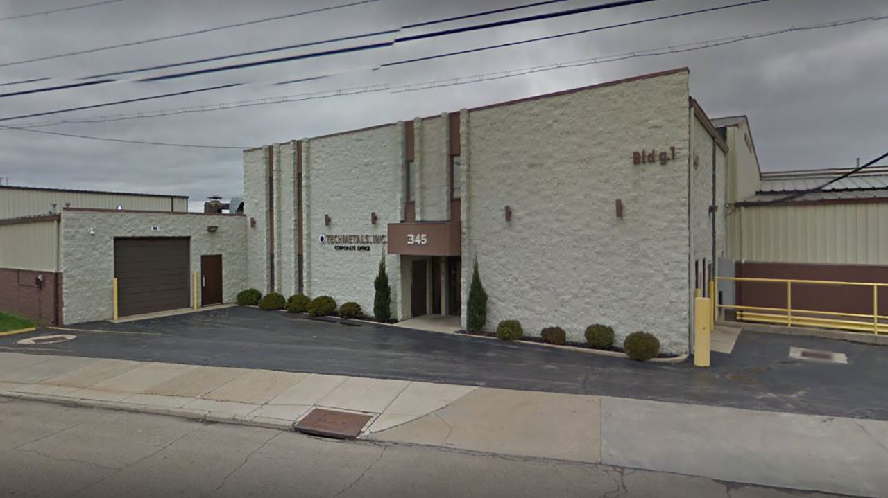 Ohio metal plant worker dies after falling into chemical vat