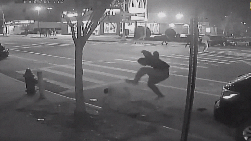Westlake Legal Group bronx-teen-suspect-NYPD Fatal New York City $1 mugging caught on video leads to arrest: reports Robert Gearty fox-news/us/us-regions/northeast/new-york fox-news/us/crime/robbery-theft fox-news/us/crime/homicide fox news fnc/us fnc article 7f54c298-4d10-5d91-95f3-c4d9d025a6b8